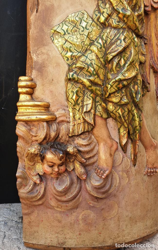 Arte: Ángeles custodios. Pareja de relieves en madera tallada, policromada, dorada y estofada. Siglo XVIII - Foto 8 - 169425424