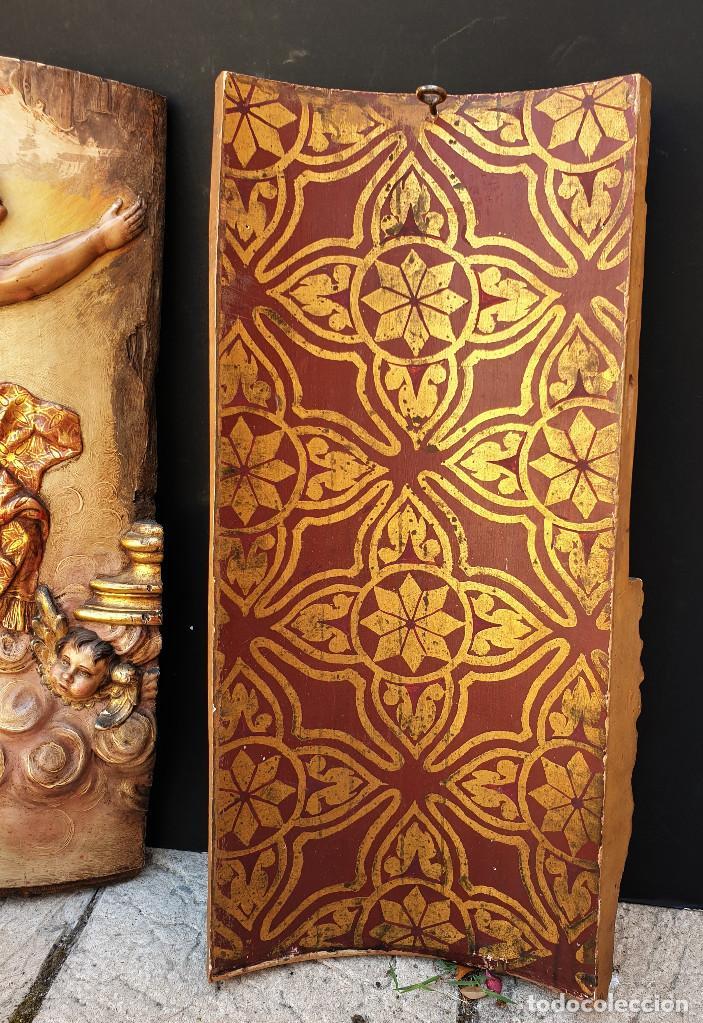 Arte: Ángeles custodios. Pareja de relieves en madera tallada, policromada, dorada y estofada. Siglo XVIII - Foto 9 - 169425424