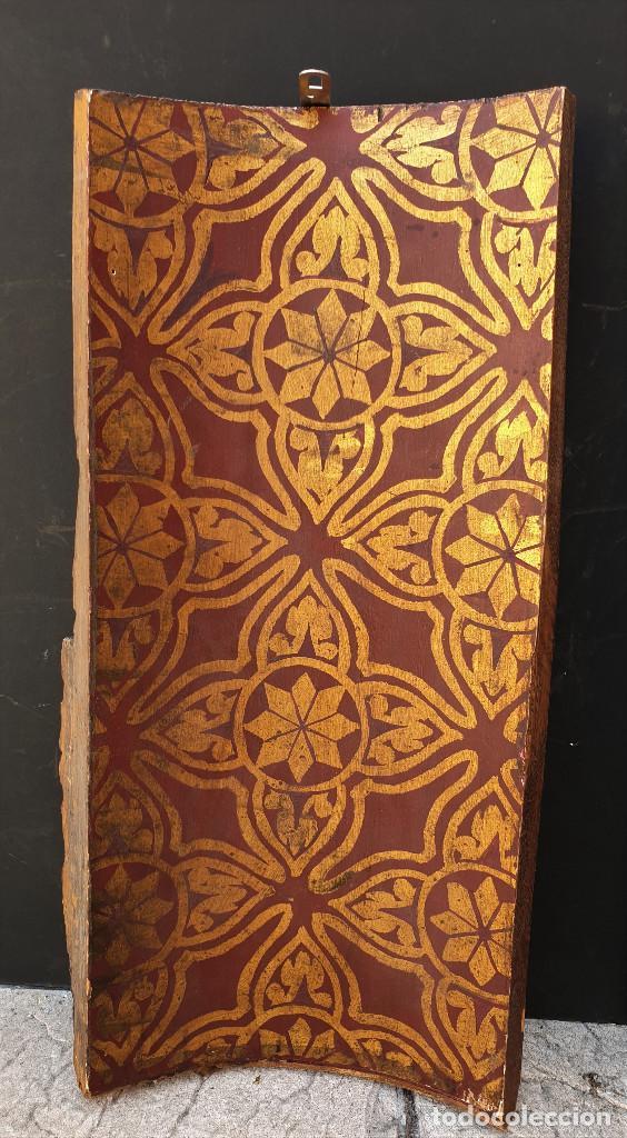Arte: Ángeles custodios. Pareja de relieves en madera tallada, policromada, dorada y estofada. Siglo XVIII - Foto 10 - 169425424