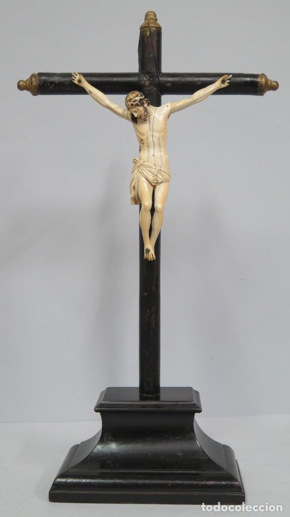 PRECIOSO CRISTO DE MARFIL. ESCUELA ESPAÑOLA. FINALES SIGLO XVIII-PPIOS. SIGLO XX (Arte - Arte Religioso - Escultura)