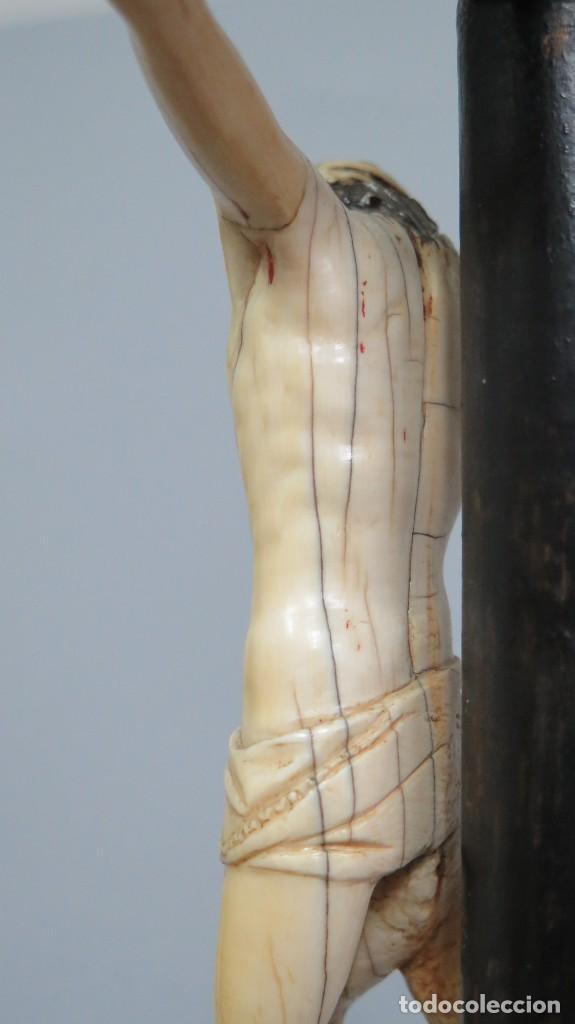 Arte: PRECIOSO CRISTO DE MARFIL. ESCUELA ESPAÑOLA. FINALES SIGLO XVIII-PPIOS. SIGLO XX - Foto 11 - 169458768