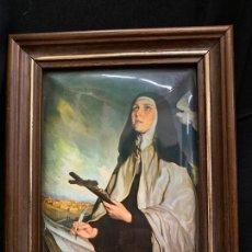 Arte: SANTA TERESA, PRECIOSA LITOGRAFIA SOBRE METAL EN FORMA REDONDEADA, Y ENMARCADA. MIDE 25,5X20,5CMS. Lote 169601692