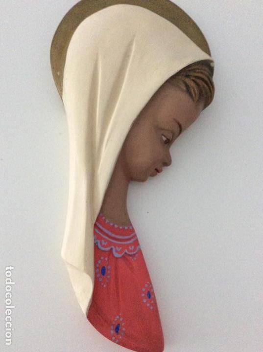 FIGURA DE ESCAYOLA DE LA VIRGEN. AÑO 1960 (Arte - Arte Religioso - Escultura)