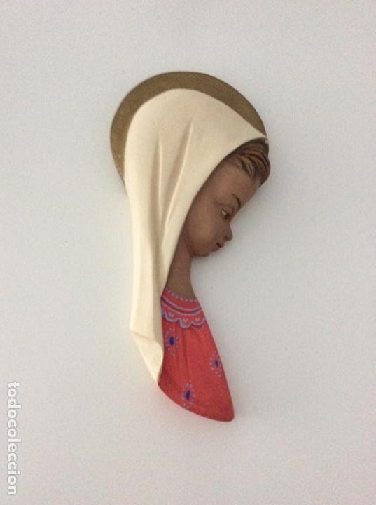 Arte: Figura de escayola de la Virgen. Año 1960 - Foto 3 - 170449300