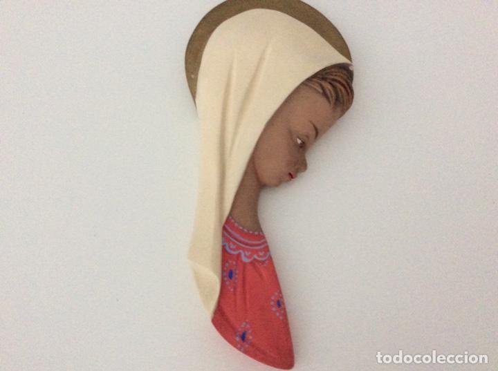 Arte: Figura de escayola de la Virgen. Año 1960 - Foto 4 - 170449300