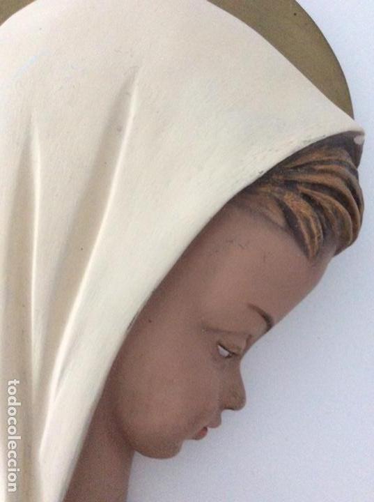 Arte: Figura de escayola de la Virgen. Año 1960 - Foto 6 - 170449300