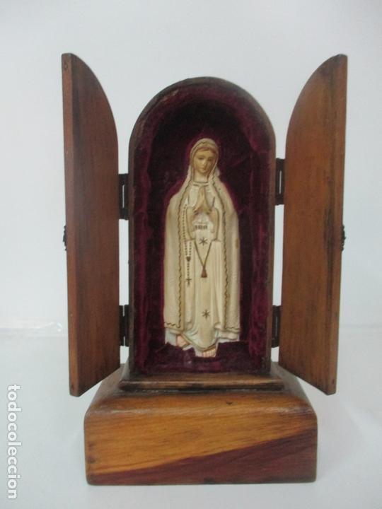 PRECIOSA CAPILLA LIMOSNERA - VIRGEN DE FÁTIMA - ESTUCO POLICROMADO - TALLERES DE OLOT (Arte - Arte Religioso - Escultura)