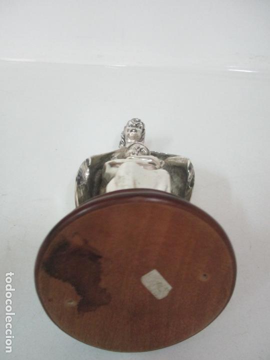 Arte: Escultura - Sagrada Familia Plateada - Metal con Baño de Plata - Peana de Madera - Foto 12 - 171121564