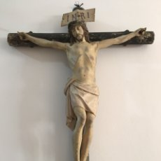 Arte: TALLA DE CRISTO ANTIGUO DE MADERA. SIGLO XVIII - CON CRUZ DE LEÑO. GRAN TAMAÑO. Lote 171171372