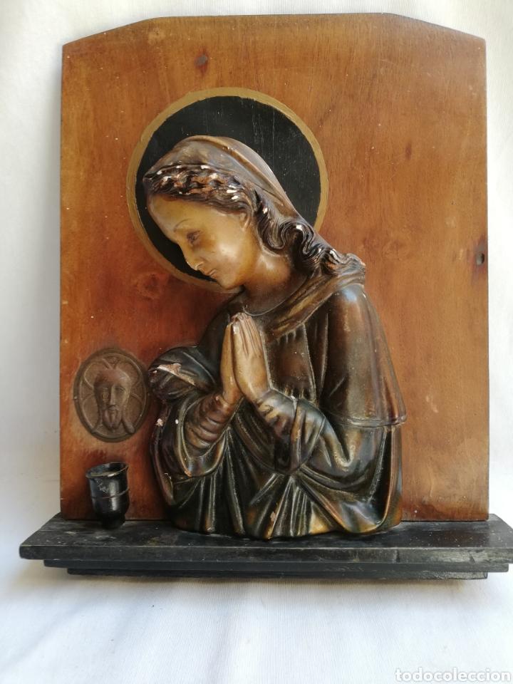 ANTIGUO RETABLO EN MADERA CON IMAGEN DE LA VIRGEN EN ESTUCO. CON LUZ. TIPO CAPILLA. (Arte - Arte Religioso - Retablos)