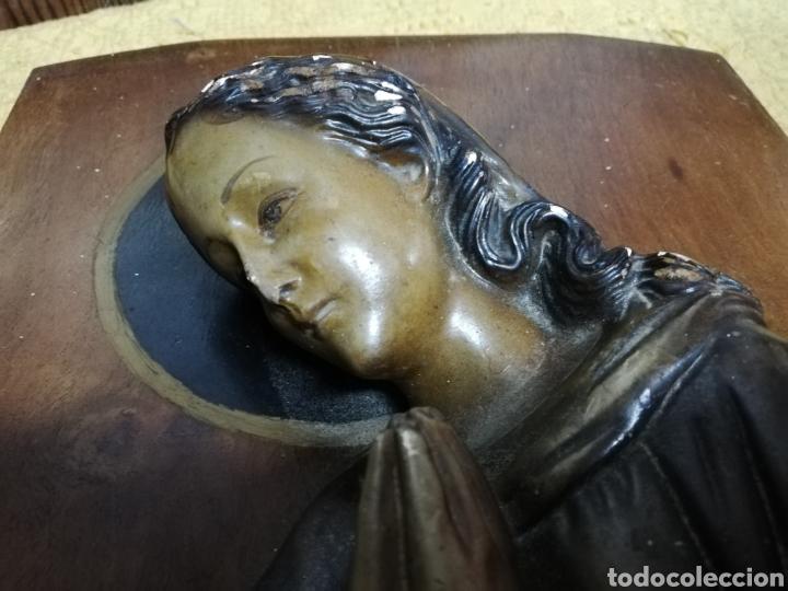 Arte: ANTIGUO RETABLO EN MADERA CON IMAGEN DE LA VIRGEN EN ESTUCO. CON LUZ. TIPO CAPILLA. - Foto 16 - 171500312