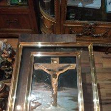 Arte: RELIEVE DE JESUCRISTO CRUCIFICADO, ENMARCADO EN DOBRE MARCO CON CRISTAL - 42 X 50CM. Lote 171668387