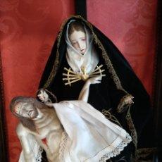 Arte: VIRGEN DOLOROSA CON CRISTO YACENTE ,EN CAPILLA. CAP Y POTA DEL SIGLO XIX. Lote 171741903
