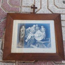Arte: CUADRO ANTIGUO DE IGLESÍA CON LÁMINA ANTIGUA ESCENA PASIÓN DE CRISTO JESUCRISTO, JESÚS DE NAZARET.. Lote 172791167