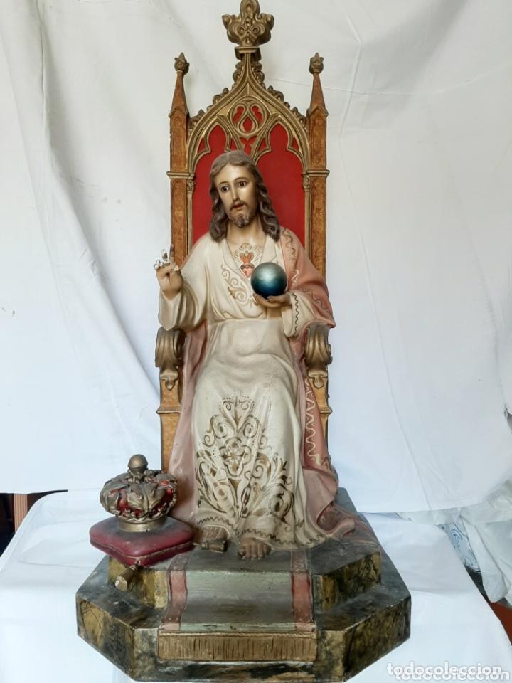 TALLA SAGRADO CORAZÓN ENTRONIZADO CON OJOS DE CRISTAL (Arte - Arte Religioso - Escultura)