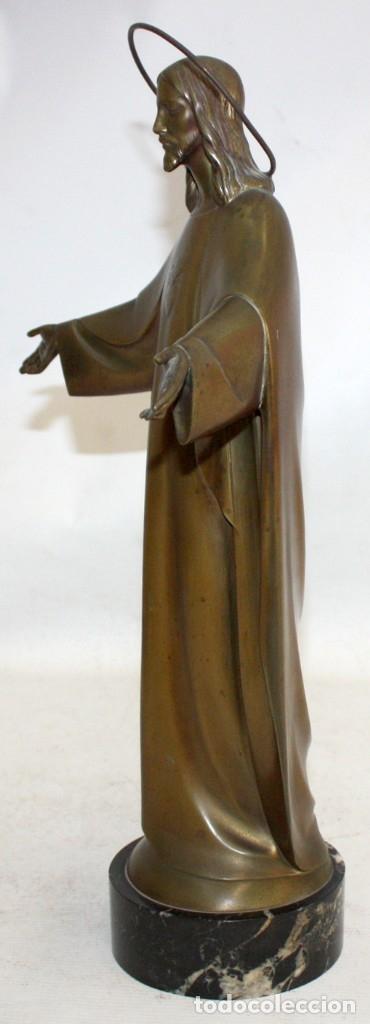 Arte: FREDERIC GALCERÀ ALABART (Barcelona, 1880 - 1964) SAGRADO CORAZÓN EN BRONCE DE APROXIMADAMENTE 1920 - Foto 3 - 173577343