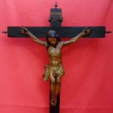 Arte: TALLA EN MADERA DE CRUCIFICADO ESCUELA BARROCA SEVILLANA, FINALES S. XVII. DIM.- 69X49 CMS. . Lote 173987112