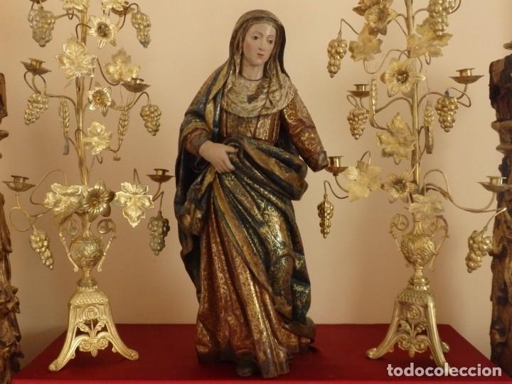 Arte: Santa Ana. Escultura del siglo XVII en madera tallada, estofada y dorada. Mide 74 cm de altura. - Foto 3 - 174268678