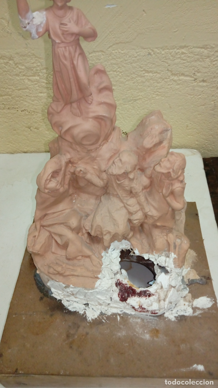 Arte: Escultura religiosa sellada de Olot medidas 36x23 - Foto 4 - 175854993