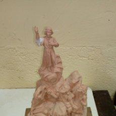 Arte: ESCULTURA RELIGIOSA SELLADA DE OLOT MEDIDAS 36X23. Lote 175854993