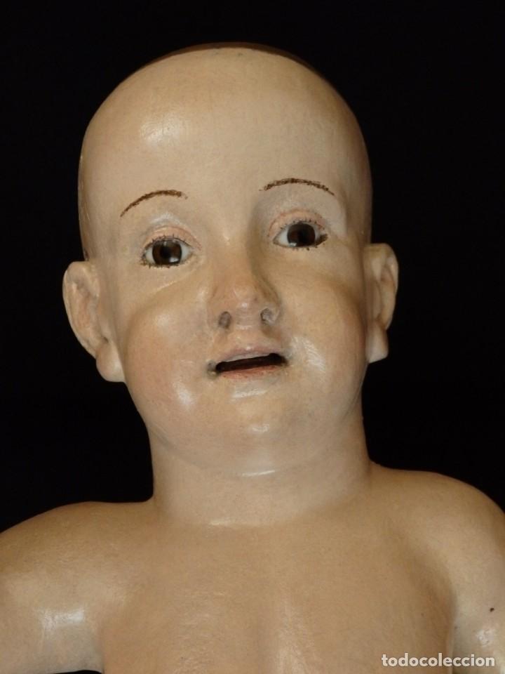 Arte: Niño Jesús Pasionario en madera tallada y policromada de la Esc. Española. Mide 57 cm. Siglo XVIII. - Foto 5 - 176946939