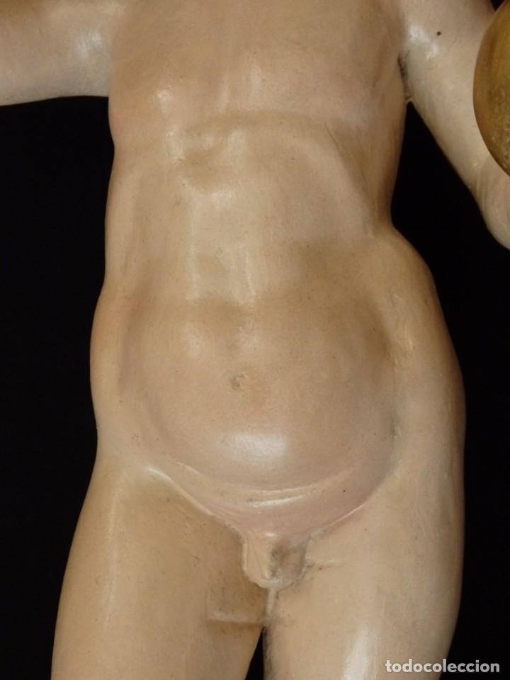 Arte: Niño Jesús Pasionario en madera tallada y policromada de la Esc. Española. Mide 57 cm. Siglo XVIII. - Foto 7 - 176946939