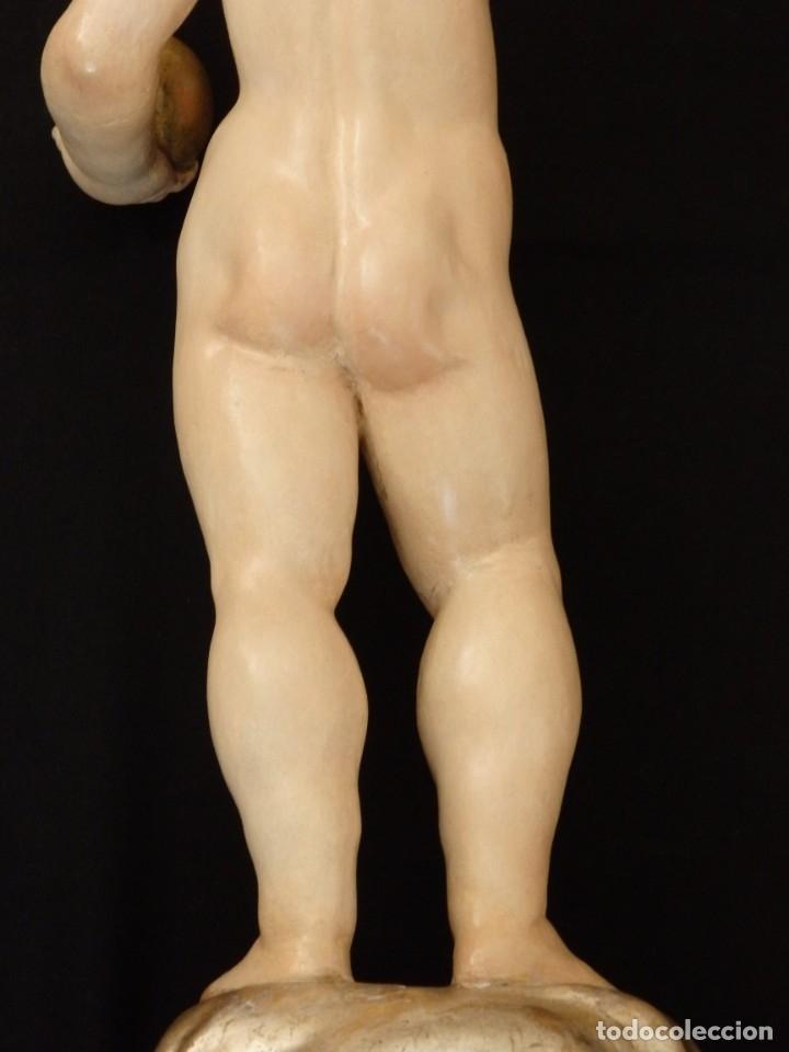 Arte: Niño Jesús Pasionario en madera tallada y policromada de la Esc. Española. Mide 57 cm. Siglo XVIII. - Foto 25 - 176946939