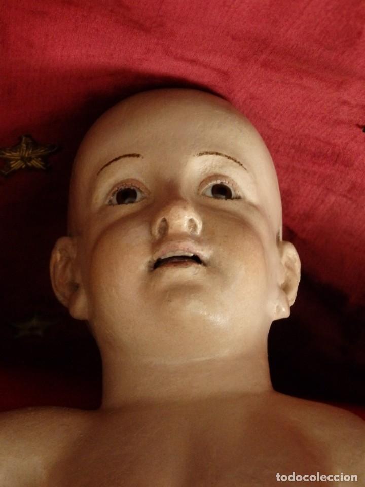 Arte: Niño Jesús Pasionario en madera tallada y policromada de la Esc. Española. Mide 57 cm. Siglo XVIII. - Foto 27 - 176946939