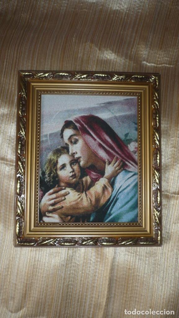 CUADRO EN TELA VIRGEN CON NIÑO (Arte - Arte Religioso - Pintura Religiosa - Otros)