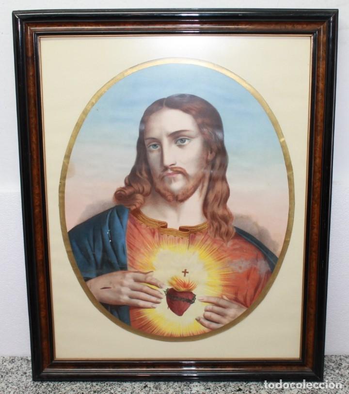 LÁMINA A COLOR ENMARCADA Y CON CRISTAL - SAGRADO CORAZÓN - PRINCIPIOS DEL SIGLO XX (Arte - Arte Religioso - Litografías)
