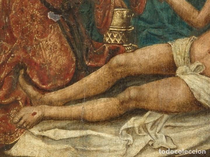 Arte: El Descendimiento de Cristo. Óleo sobre tabla de la escuela flamenca del siglo XVI. Mide 50 x 35 cm. - Foto 9 - 178069622