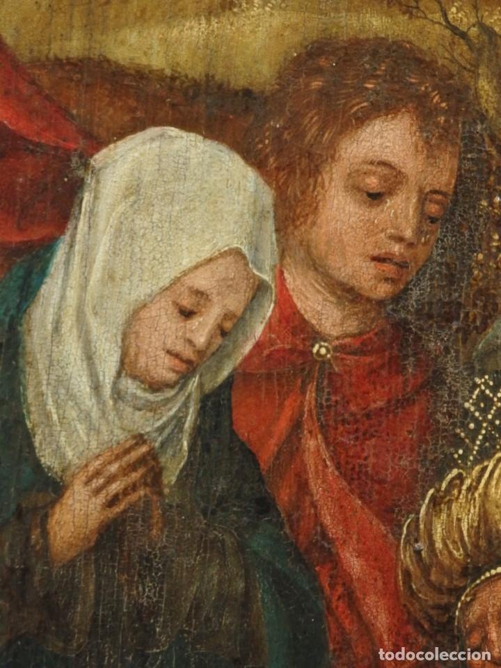 Arte: El Descendimiento de Cristo. Óleo sobre tabla de la escuela flamenca del siglo XVI. Mide 50 x 35 cm. - Foto 15 - 178069622