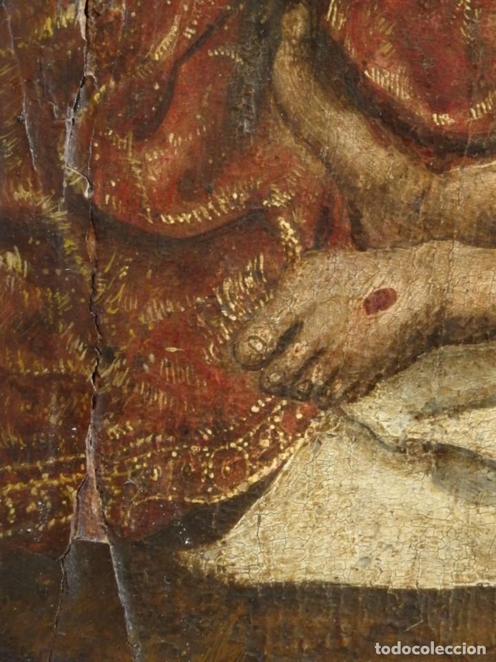 Arte: El Descendimiento de Cristo. Óleo sobre tabla de la escuela flamenca del siglo XVI. Mide 50 x 35 cm. - Foto 17 - 178069622