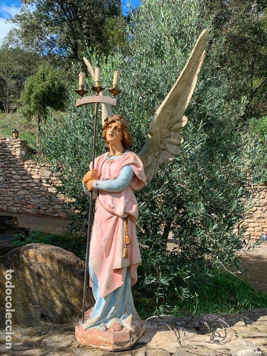 Arte: Excepcional angel o arcangel torchero, en estuco, ojos de cristal, de Olot, inmenso. - Foto 7 - 180276561