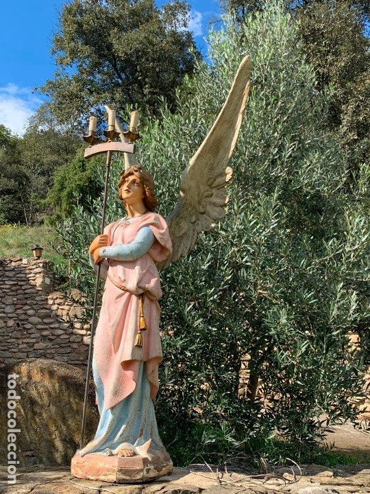 Arte: Excepcional angel o arcangel torchero, en estuco, ojos de cristal, de Olot, inmenso. - Foto 10 - 180276561