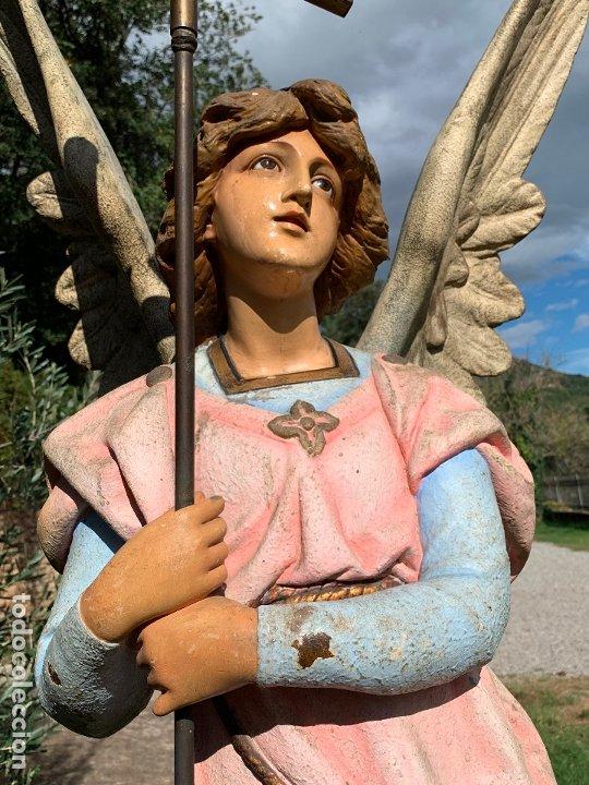 Arte: Excepcional angel o arcangel torchero, en estuco, ojos de cristal, de Olot, inmenso. - Foto 12 - 180276561