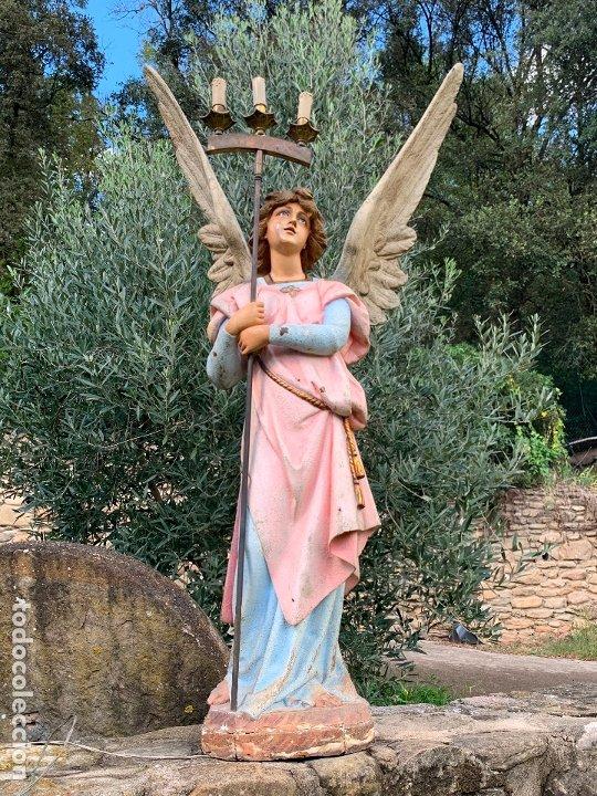 EXCEPCIONAL ANGEL O ARCANGEL TORCHERO, EN ESTUCO, OJOS DE CRISTAL, DE OLOT, INMENSO. (Arte - Arte Religioso - Escultura)