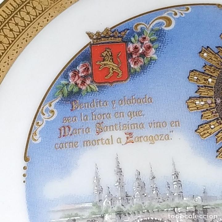Arte: MEDALLÓN DE LA VIRGEN DEL PILAR. PORCELANA ESMALTADA Y DORADA. ESPAÑA. CIRCA 1960 - Foto 2 - 181358473