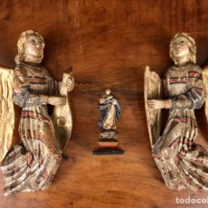 Arte: PAREJA DE ÁNGELES MÚSICOS. TALLAS DE MADERA. S.XVIII O ANTERIOR.. Lote 182084748