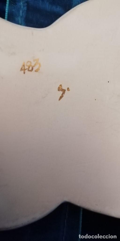 Arte: ANTIGUA VIRGEN CON NIÑO PORCELANA ó CERAMICA VIDRIADA, Años 50 (para colgar) pieza numerada - Foto 3 - 182642825