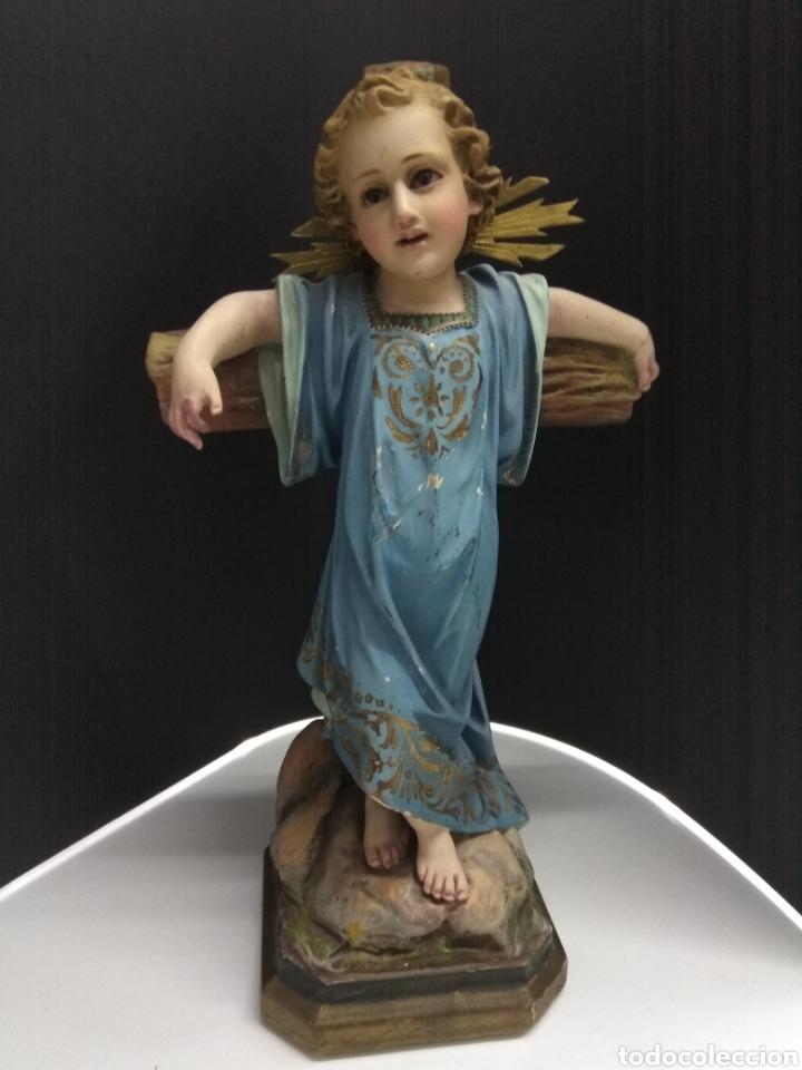 NIÑO JESUS CRUCIFICADO. ESTUCO POLICROMADO SELLO OLOT SIGLO XIX-XX OJOS CRISTAL PASIONARIO (Arte - Arte Religioso - Escultura)