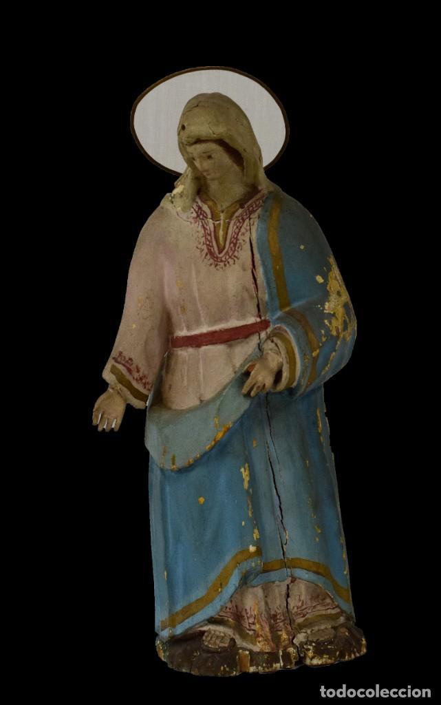 ANTIGUA VIRGEN MARÍA DE MADERA, TALLA POLICROMADA POPULAR. SIGLO XVIII. 50 CM DE ALTO. (Arte - Arte Religioso - Escultura)