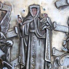 Arte: ANTIGUO ICONO - ARTE RELIGIOSO - ORIGEN RUSO - MADERA POLICROMADA - CAMISA METAL PLATEADO – RARO. Lote 183759020