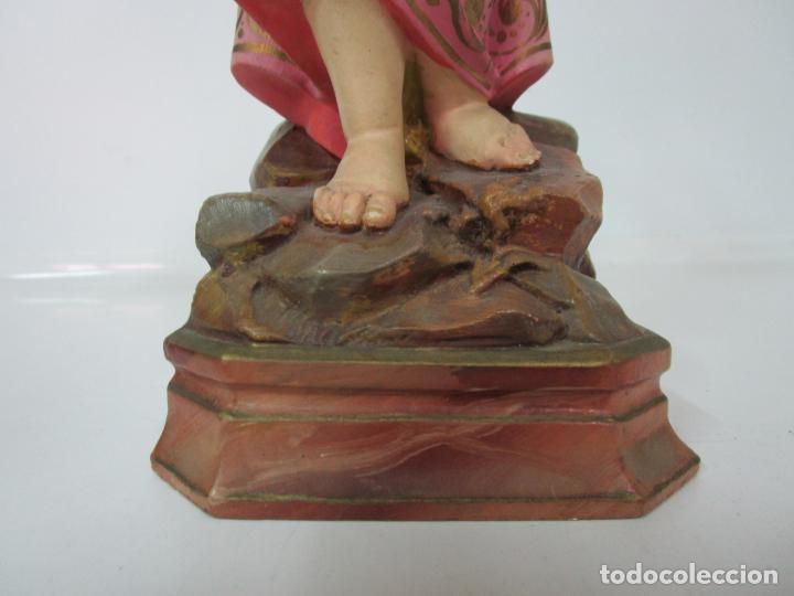 Arte: San Juanito a la Cruz- Niño Jesús - Estuco Policromado - Sello Arte Olotense, Olot -Principios S. XX - Foto 2 - 184366715