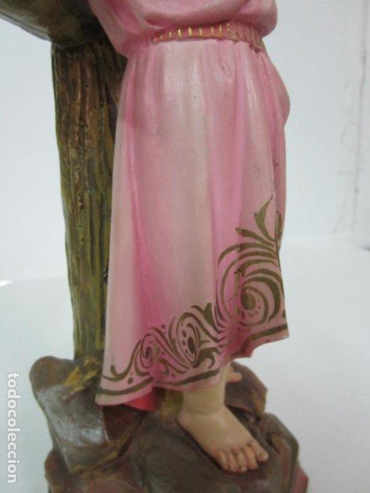 Arte: San Juanito a la Cruz- Niño Jesús - Estuco Policromado - Sello Arte Olotense, Olot -Principios S. XX - Foto 7 - 184366715