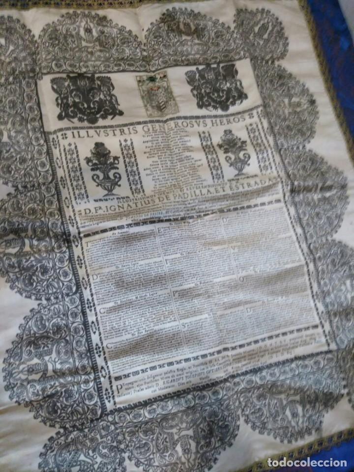 Arte: EXCEPCIONAL TAPIZ RELIGIOSO RECONOCIMIENTO AL HONOR,GRABADO IMPRESO SOBRE SEDA Y BORDADO.AÑO 1760 - Foto 17 - 184493476