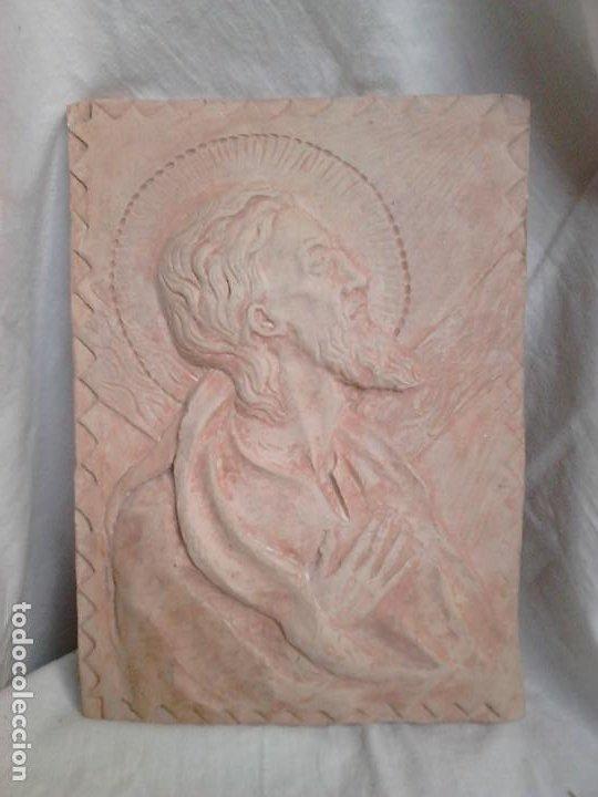 JESÚS ORANDO. TERRACOTA. OBRA ORIGINAL DE FRANCESC GASSÓ. UNA OBRA DE ARTE EN SU CASA (Arte - Arte Religioso - Iconos)