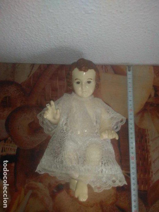 Arte: Antiguo niño Jesús ojos de cristal vestido ver fotos - Foto 2 - 186320756