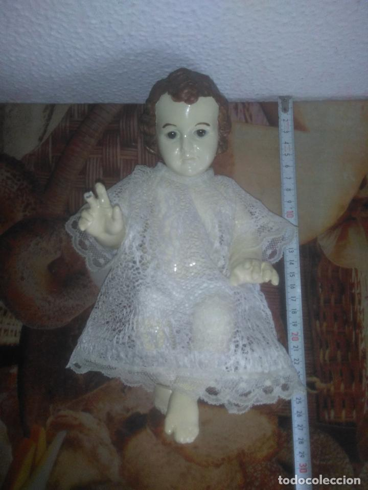 Arte: Antiguo niño Jesús ojos de cristal vestido ver fotos - Foto 3 - 186320756