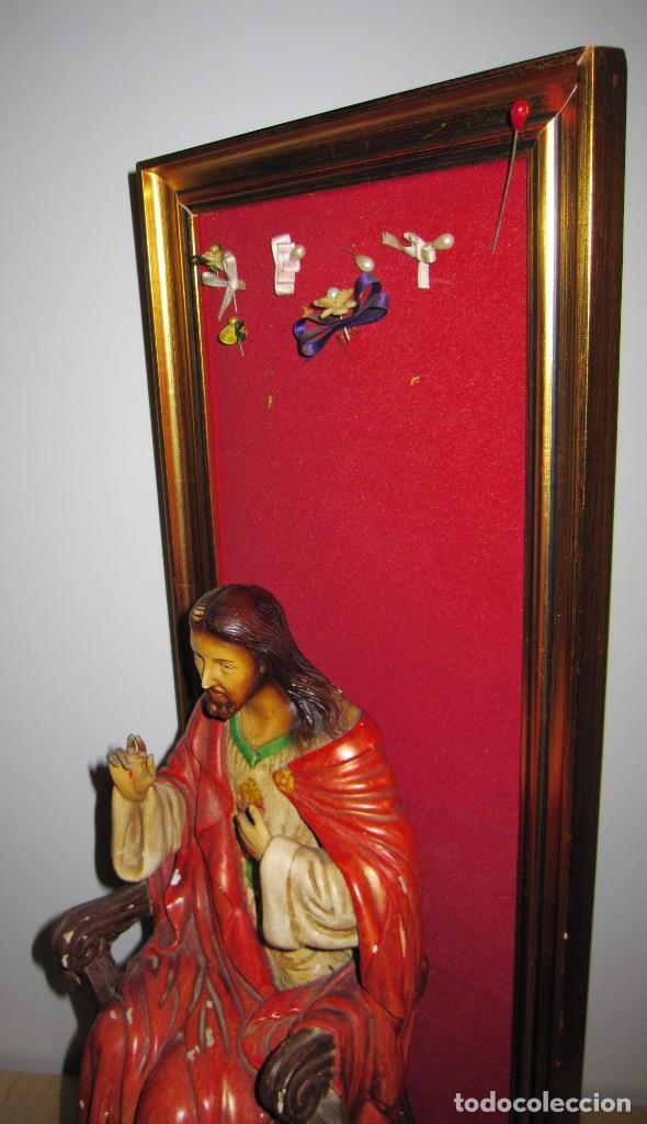 Arte: Antigua imagen figura Sagrado Corazón Jesús entronizado en trono sobre altar capilla madera - Foto 16 - 186402868